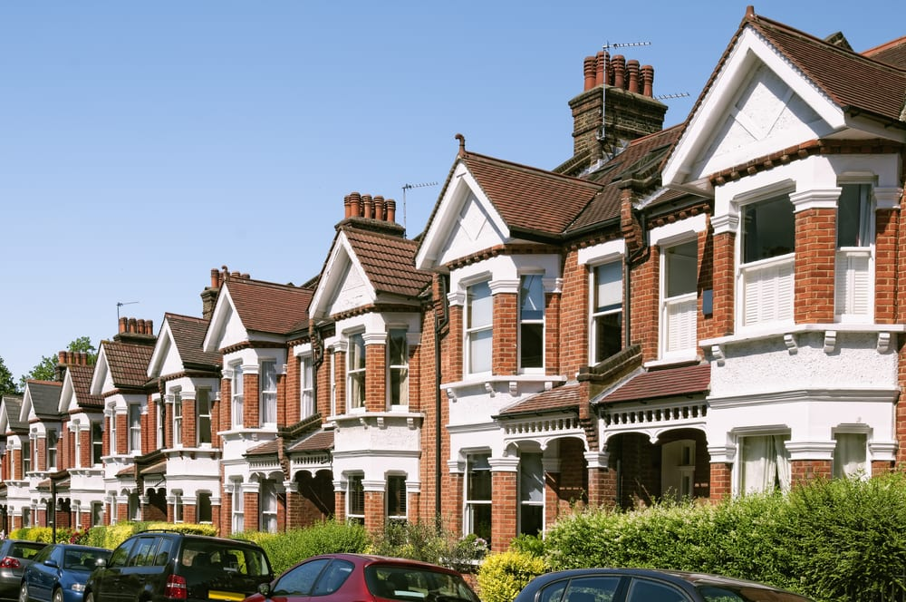 House prices continue upward trend, rising 10% in March: ONS